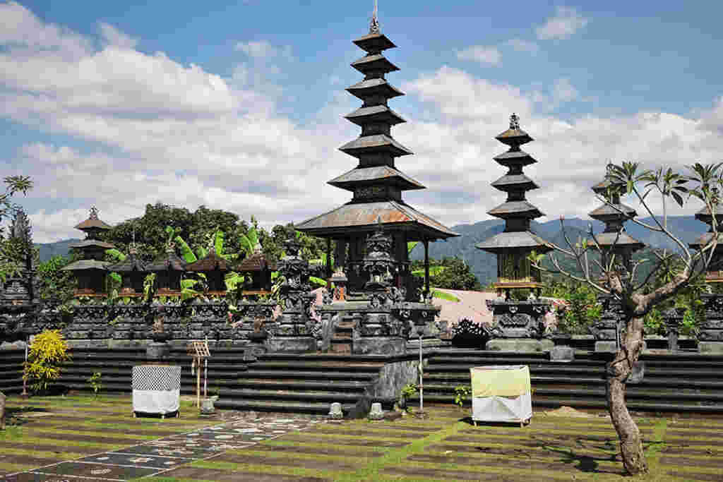 4. Scenes of North Bali